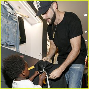 Thomas Rhett Brings Daughter Willa to Pop-Up Store Opening