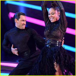 Vanessa Lachey Tops Nick's Score During 'DWTS' Premiere with Maksim Chmerkovskiy (Video)