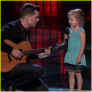 Viral Dad Dave Crosby & Daughter Perform on 'The Voice' (Video)