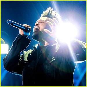 The Weeknd Heats Up the Stage at iHeartRadio Music Festival 2017!