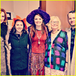 'Halloweentown' Cast Reunites In Real-Life Halloweentown!
