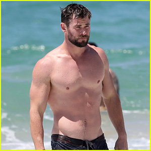 Chris Hemsworth Goes Shirtless, Bares Ripped Body in Australia