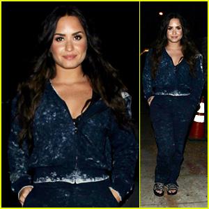 Demi Lovato Looks Cute While Making a Late Night Fast Food Trip!