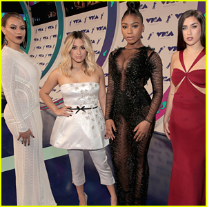 Christmas Harmony Movie.Fifth Harmony Sing Can You See For Christmas Movie The