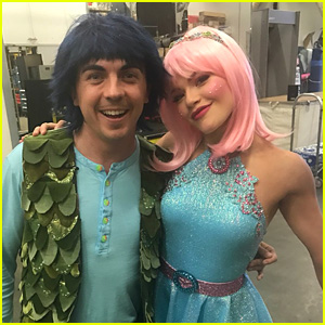 Frankie Muniz Transforms Into an Animated Character for 'DWTS' Movie Night (Video)