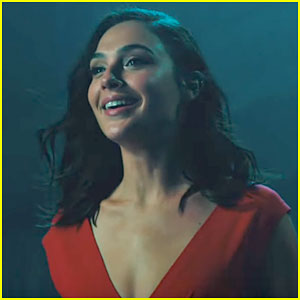 Gal Gadot Busts Through the Wall in 'Saturday Night Live' Promo!