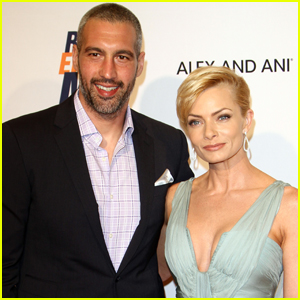 Jaime Pressly Welcomes Twin Boys - Find Out Their Names!