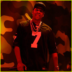Jay-Z Supports Colin Kaepernick During 'SNL' Performances - Watch Now