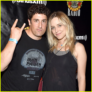 Jenny Mollen Shows Off Bandaged Belly Four Days After Giving Birth to Son Lazlo With Jason Biggs!