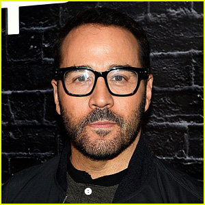 Jeremy Piven Denies Assault Accusations from Ariane Bellamar