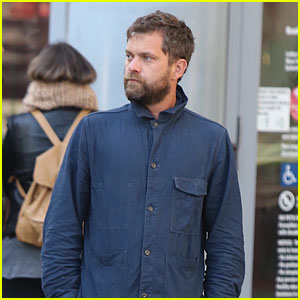 Joshua Jackson Shares Beautiful Montauk Sunset Pic