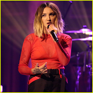 Julia Michaels Reveals Why She Gave 'Sorry' to Justin Bieber & Performs 'Worst in Me' - Watch!