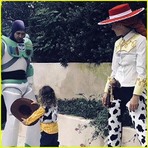 Justin Timberlake & Jessica Biel Wear 'Toy Story' Costumes for Halloween!