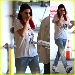 Kendall Jenner Looks Cute and Comfy in Ripped Jeans While Picking Up Lunch!
