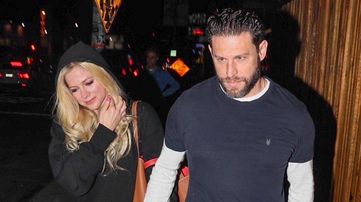 Who is avril lavigne dating now