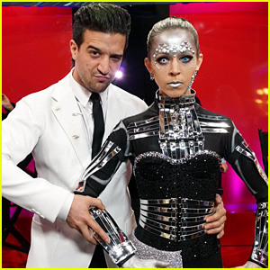 Lindsey Stirling Turns Into a Robot for Sci-Fi Dance on 'DWTS' Movie Night (Video)