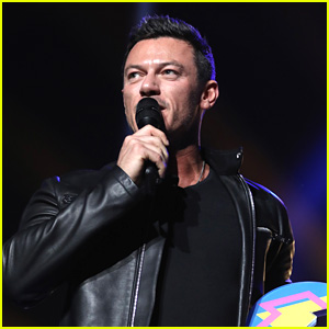 Luke Evans Accepts Beauty & the Beast's Award at BBC's Teen Awards 2017
