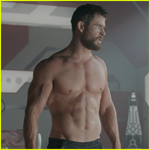 New 'Thor: Ragnarok' Pics Released, Including Shirtless Chris Hemsworth!