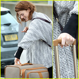 Kit Harington's Fiance Rose Leslie Flashes Engagement Ring at Airport!
