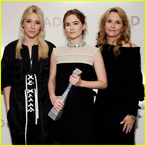 Zoey Deutch Receives Rising Star Award, Stresses the Importance of Arts Education