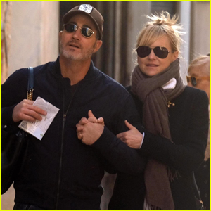 Anna Faris & Boyfriend Michael Barrett Couple Up During Italian Vacation