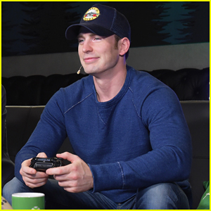 Chris Evans Helps Host Xbox One X Launch Party!