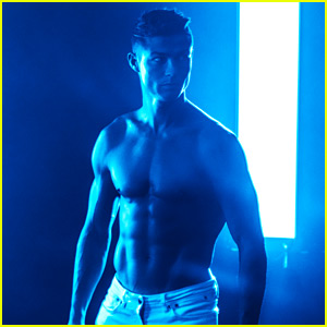 Cristiano Ronaldo Looks So Hot in Future of Denim Campaign!