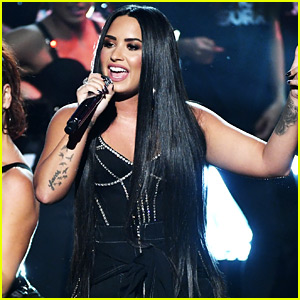 Demi Lovato Slams the Haters with 'Sorry Not Sorry' Performance at AMAs 2017 (Video)