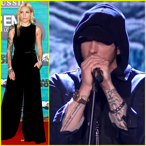 Eminem Performs 'Walk on Water' Live at MTV EMAs 2017, Skylar Grey Fills in For Beyonce (Video)