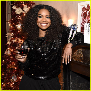Gabrielle Union Gets Into the Christmas Spirit With Her Shutterfly Holiday Collection!