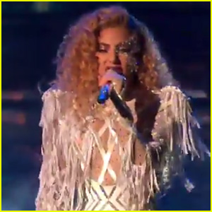 Lady Gaga Performs 'The Cure' at American Music Awards 2017!