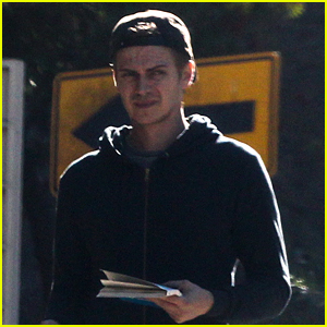 Hayden Christensen Steps Out Solo in Los Angeles