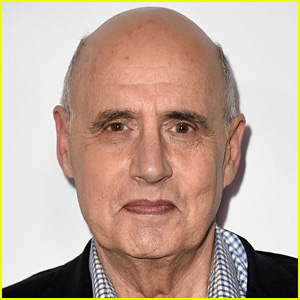 Jeffrey Tambor Responds to Harassment Allegations, Adamantly Denies Everything