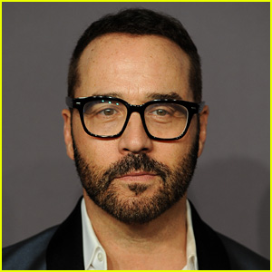 Jeremy Piven Offers to Take Polygraph Test in Latest Response to Sexual Assault Allegations