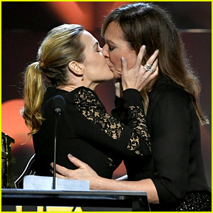 Kate Winslet & Allison Janney Kiss Onstage at Hollywood Film Awards 2017 - Watch Now!