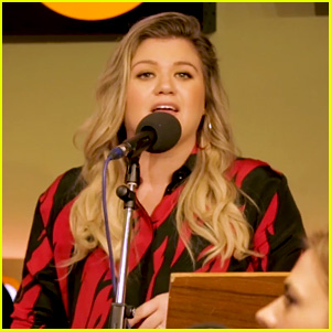 Kelly Clarkson Covers En Vogue's 'My Lovin'' for BBC Radio - Watch!