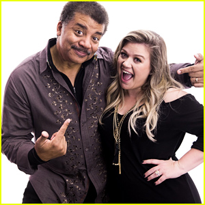 Kelly Clarkson Talks 'Meaning Of Life' With Neil deGrasse Tyson & Performs at YouTube Space NY - Watch Now!