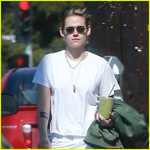 Kristen Stewart Grabs a Green Juice to Go in Los Angeles