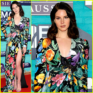 Lana Del Rey Brings Flower Power to the MTV EMAs 2017!