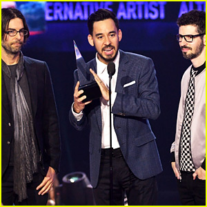Linkin Park Wins at AMAs 2017, Chester Bennington Honored