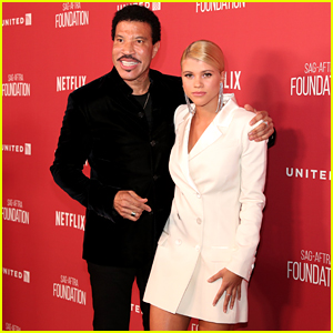 Lionel Richie & Daughter Sofia Make Rare Red Carpet Appearance Together