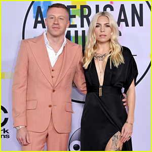 Macklemore & Skylar Grey Hit the Red Carpet Together at American Music Awards 2017!