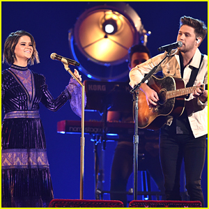 Niall Horan & Maren Morris Perform 'Seeing Blind' at CMA Awards 2017 - Watch Now!