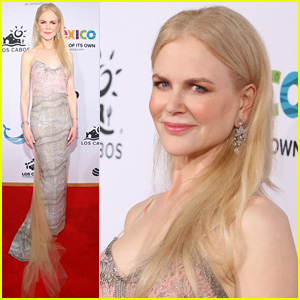 Nicole Kidman Honored at Los Cabos Film Festival 2017!