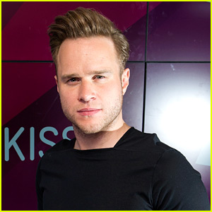 Olly Murs Tweets Live Updates from Oxford Circus Incident in London
