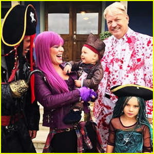 Pink & Her Family Channel Disney 'Descendants' For Halloween!