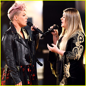 Pink & Kelly Clarkson Sing 'Everybody Hurts' to Open AMAs 2017 (Video)
