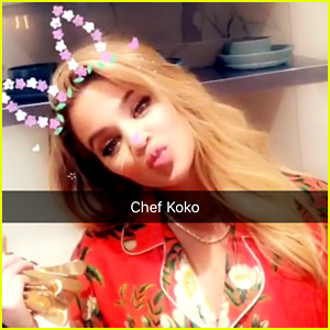 Khloe Kardashian Shows Off the Thanksgiving Meal She Cooked!