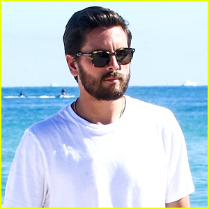 Scott Disick Soaks Up the Sun in Miami!