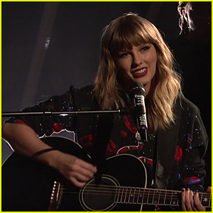 Taylor Swift Gives Acoustic 'Call It What You Want' Performance on 'SNL' (Video)